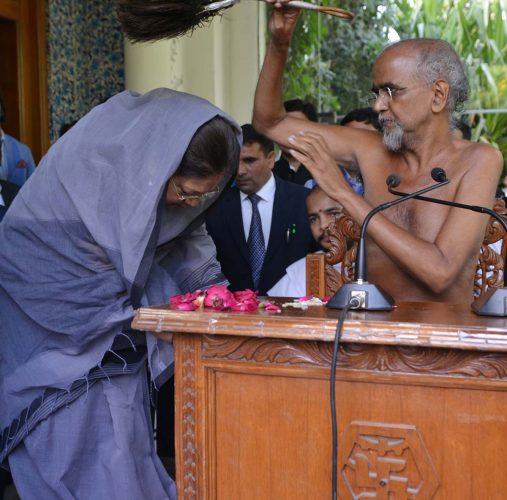 पदमपुरा की जमीन नहीं ली जाएगी: मुख्यमंत्री वसुन्धरा राजे ने दिया राष्ट्रसंत तरुण सागर को आश्वासन