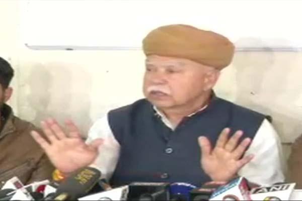 पद्मावत विवाद: राजपूत नेताओं की गिरफ्तारी शुरू, हरियाणा में बस फूंकी, जयपुर-दिल्ली हाइवे जाम:  Padmavat controversy: Rajput leaders begin arrest, bus flown in Haryana, Jaipur-Delhi highway jam