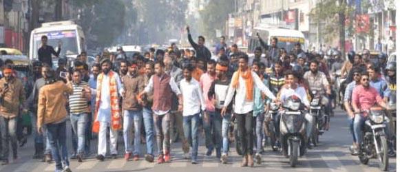 पद्मावत रिलीज नहीं, हंगामे की फिल्म जारी:  Padmavat not released, film of turmoil continues