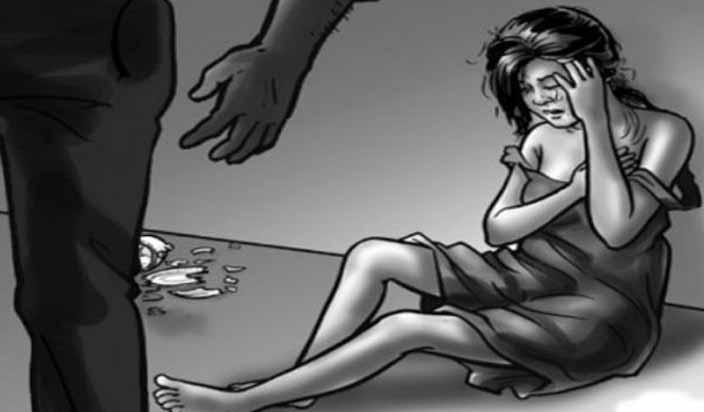 लड़की से दुष्कर्म का प्रयास, पीडि़ता ने लगाई आग