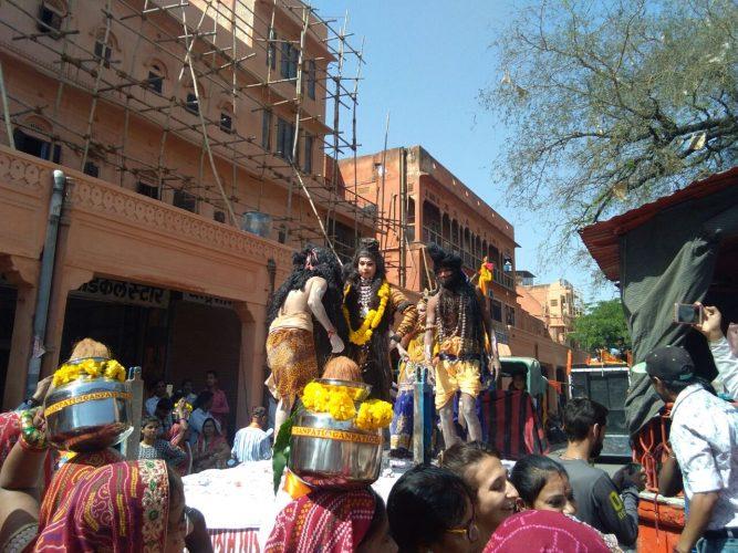 धूमधाम से मनाई गौतम जयन्ती -कलश यात्रा और प्रभात फेरी में उमड़ा जनसैलाब