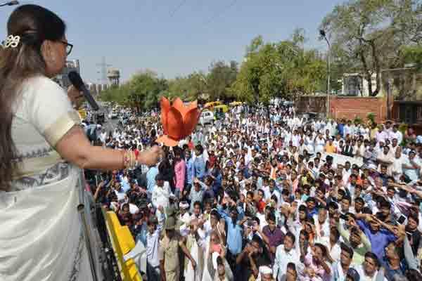 मिलकर बनाएंगे प्रदेश को कांग्रेस मुक्त: राजे