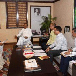 सूचना एवं जनसम्पर्क विभाग की समीक्षा बैठक; मुख्यमंत्री ने दिए पत्रकार पेंशन सम्मान योजना शुरू करने के निर्देश
