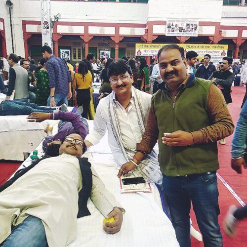 शशि खण्डेलवाल की स्मृति में 407 ने किया रक्तदान