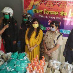 पुलिस की निर्भया स्क्वाड टीम का अभिनन्दन कर मनाई महावीर जयंती