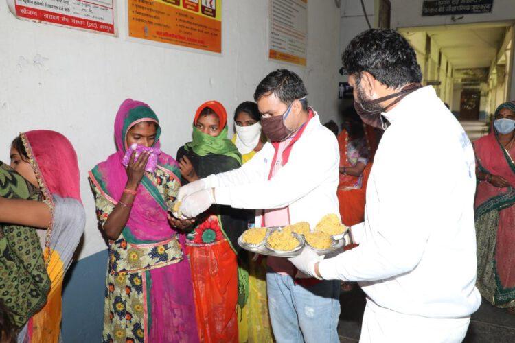 समय पूर्व प्रसव में माता और शिशु के उपचार में नारायण सेवा संस्थान ने दी 1.80 लाख रुपए की मदद