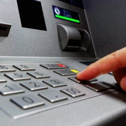 नकाबपोशों ने 17 लाख रुपए से भरा एटीएम उखाड़ा