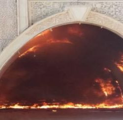 जवाहर सर्किल पर ईपी में भीषण आग-विवाहस्थल रोज गार्डन हुआ खाक