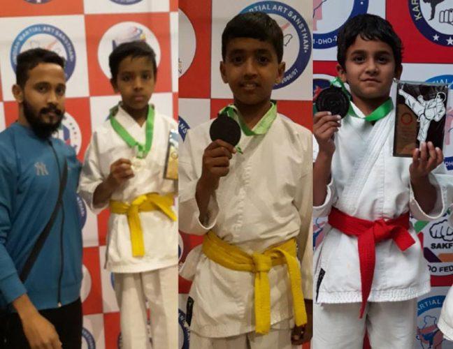 नेशनल कराटे चेम्पियनशिप में 4 खिलाडिय़ों ने रजत जीते
