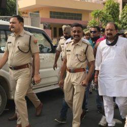 सुरेश मिश्रा गांधी-गिरी: इंजन बंद आंदोलन से पहले गिरफ्तार