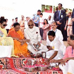 राष्ट्रपति ने दरगाह में की जियारत, पुष्कर में की पूजा-अर्चना