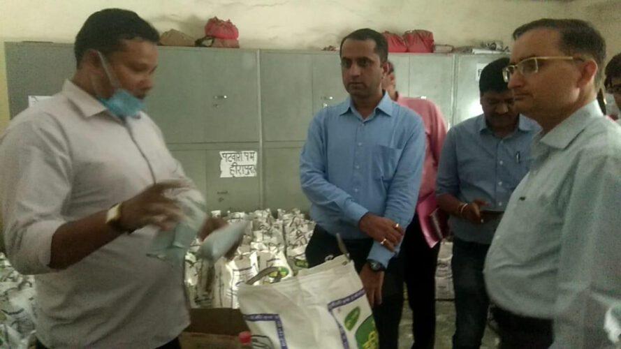 जिला कलक्टर ने किया शहर का दौरा, 144 की अनुपालना समेत जरूरतमंदों को भोजन वितरण की देखी व्यवस्थाएं