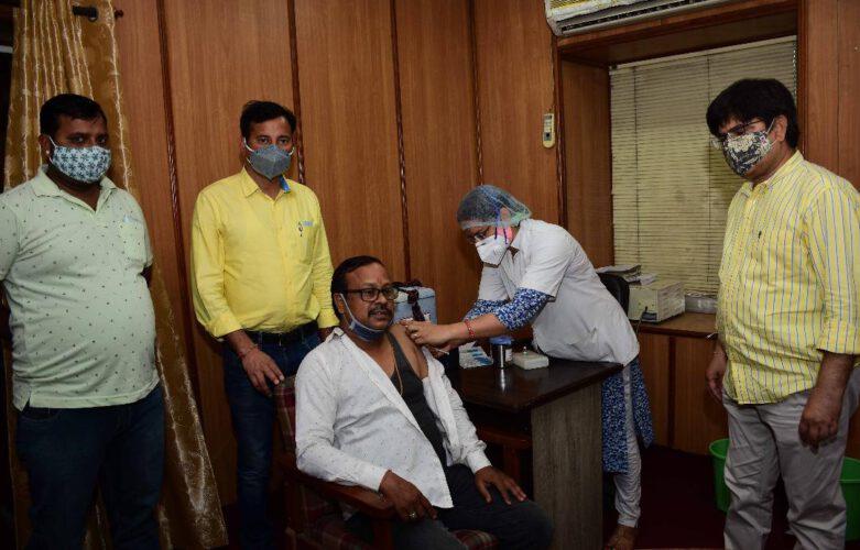 पिंकसिटी प्रेस क्लब में वैक्सीनेशन कैम्प आयोजित